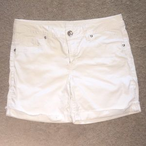 Justice White Cuffed Distressed Shorts Pockets